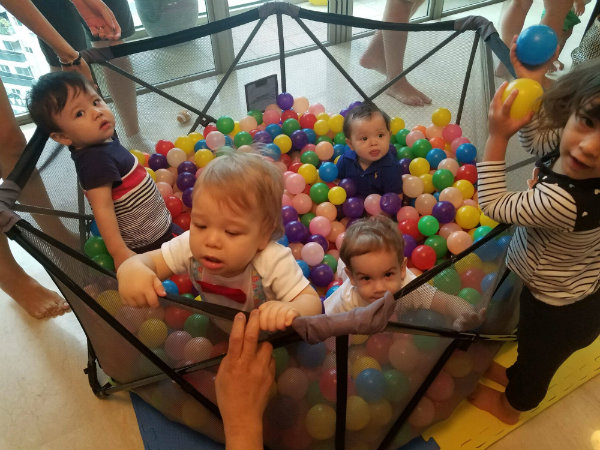 kids in ballpit